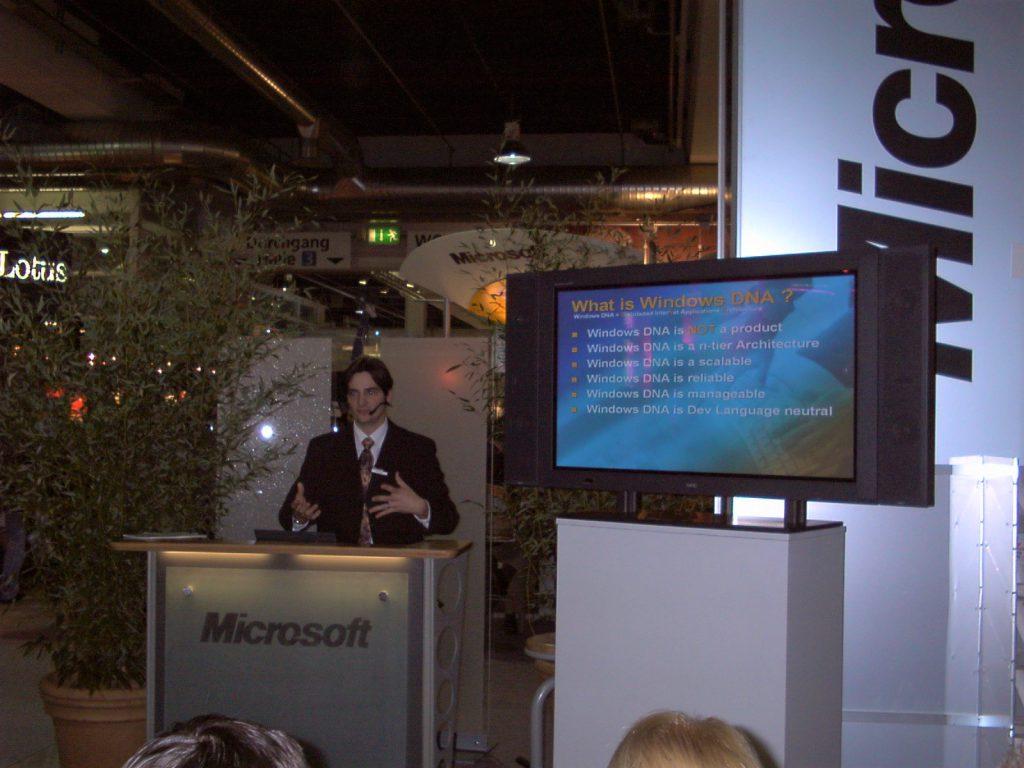 Speaker auf der Internet-Expo 2000 in Zürich